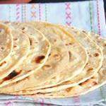 Чапати – индийские лепешки из цельнозерновой муки на сковороде