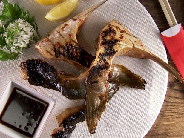 Фото Жаренный стейк хамачи с дип-соусом понзу