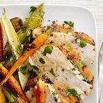 Индейка на сковороде с запеченными овощами