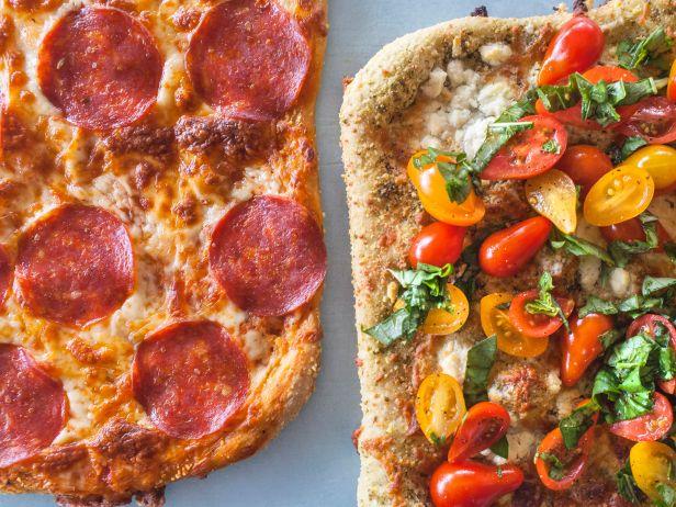 Пицца «Четыре сыра» со свежей сальсой и пицца с салями