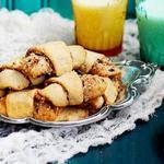 Абрикосовые рогалики с изюмом и орехами «Ругелах»