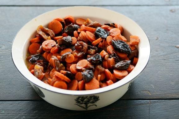 Фото Морковный цимес в мультиварке