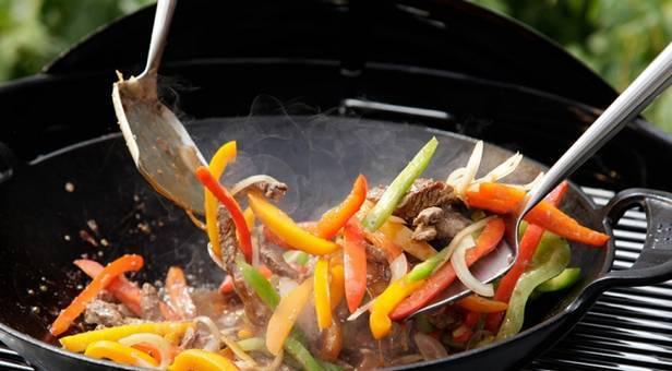 4 способа приготовления блюд в воке