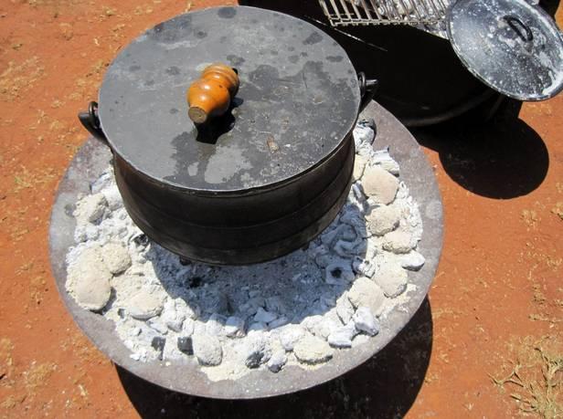 приготовление в котелке на углях