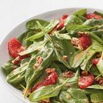 Салат со шпинатом и жареным грейпфрутом