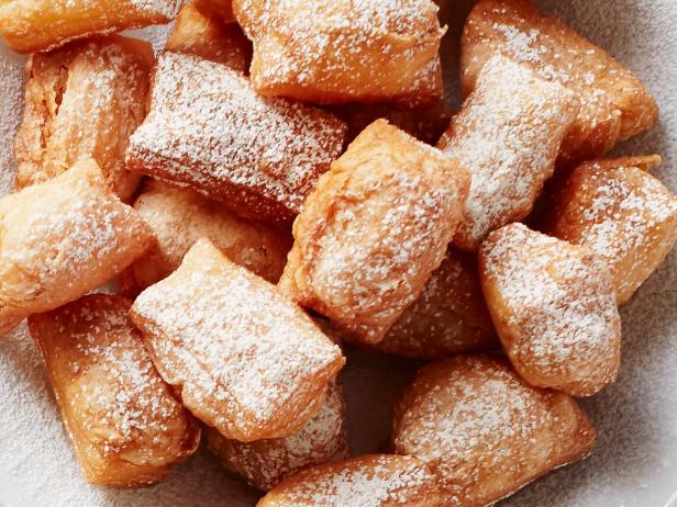 Пончики «Бенье» из слоеного теста