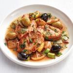Куриные бедра с лимоном, оливками и фенхелем