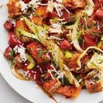 Салат панцанелла с тыквой и салями