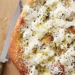 Пицца с сыром и перцем «Качио е пепе»