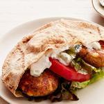 Вегетарианский мини-бургер в пите