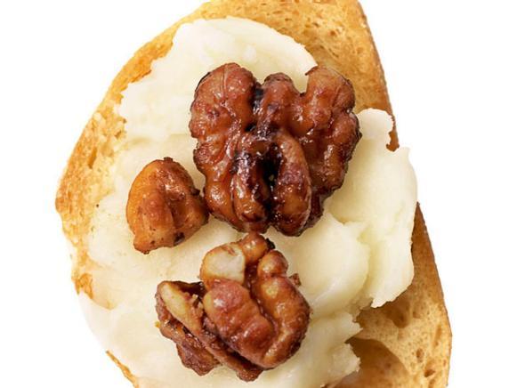Топпинг №24 «Из сыра таледжио с глазированными грецкими орехами»