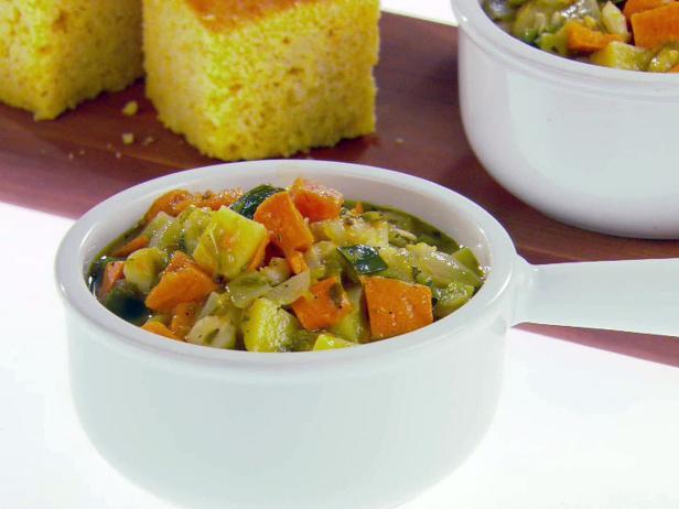 Фото Вегетарианский чили верде из зеленых острых перцев