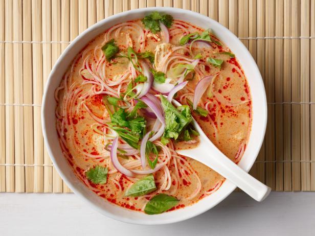 Фото Суп «Тайский карри» с курицей
