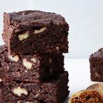 Пирожные «Брауни» с инжиром и грецкими орехами