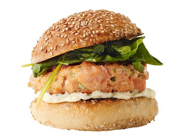 Гамбургер с копченым лососем (№44)