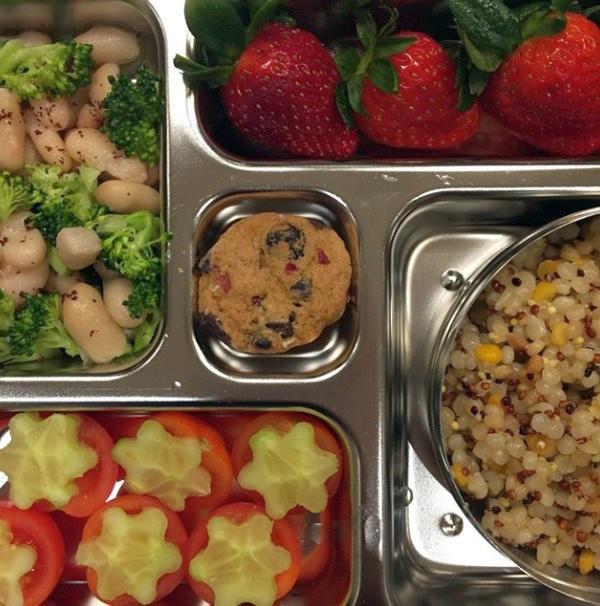 Кус-кус с крупой киноа и фасолевый салат