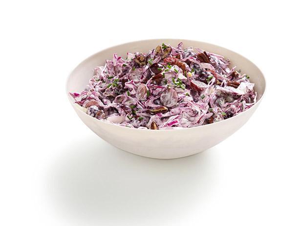 Салат с краснокочанной капустой, виноградом и орехами пекан (№8)