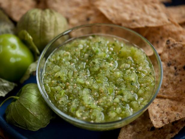 Соус сальса из овощного физалиса (сальса верде)