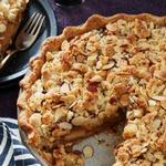 Яблочный пирог «Крамбл» с миндальной крошкой