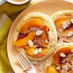 Панкейки с персиками