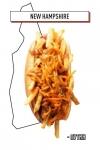 хот-дог с картофелем-фри, тертым сыром и подливкой