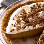 Тыквенный пирог с коричной посыпкой и коржом из крекеров Грэхема