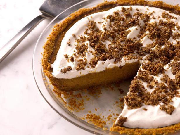 Фото Тыквенный пирог с коричной посыпкой и коржом из крекеров Грэхема