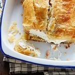 «Веллингтон» из сливочного сыра с беконом и соусом ранч