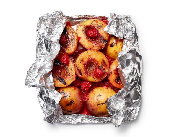 Фото Десерт «Имбирный персик Мельба» в фольге
