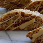 Безглютеновое печенье «Бискотти» с инжиром, грецкими орехами и глазурью