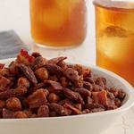 Чай с пряными орешками с беконом