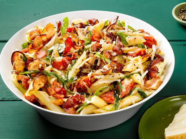 Макароны с томатами и беконом (№ 18)