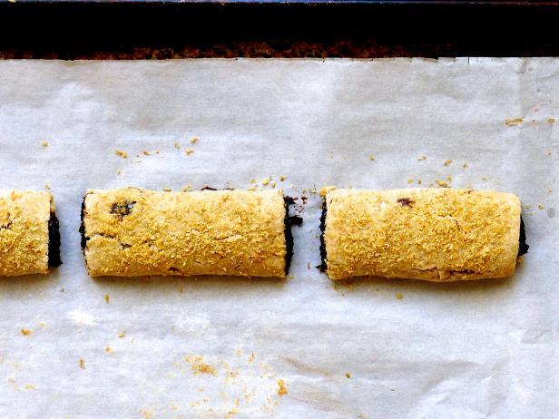 Фото Зерновые батончики с начинкой из трех видов ягод