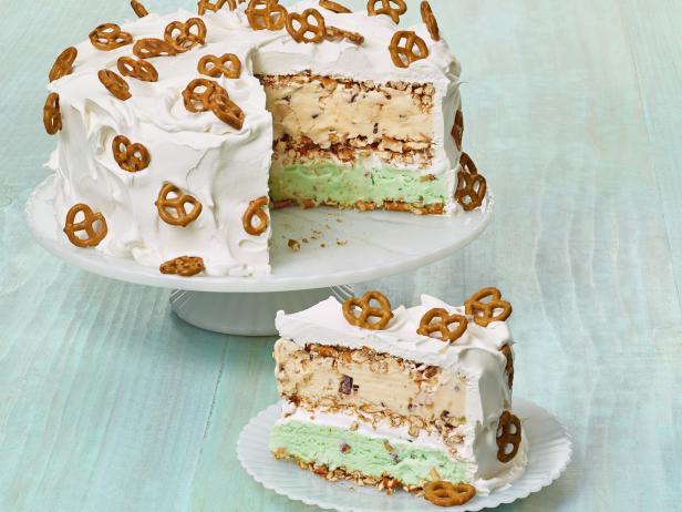 Фото Торт-мороженое с кренделем «Претцель»