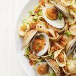 Паста с моллюсками и брокколи
