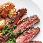 Фланк стейк (говяжья пашина) с жареным картофелем