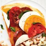 Фото Тонкая пицца без дрожжей «Капрезе»
