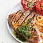 Филе тунца на гриле с картофелем и чесноком