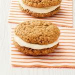Овсяное сэндвич-печенье с кремом