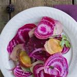 Салат из консервированной свеклы