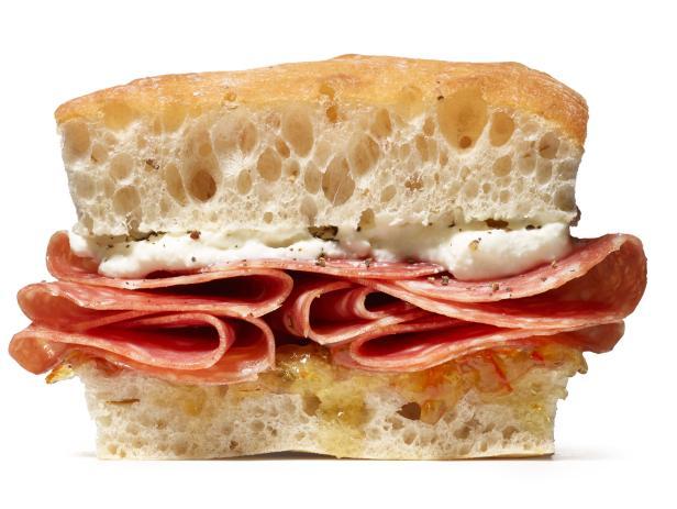 Сэндвич с сыром рикотта, апельсиновым джемом и салями (№ 20)