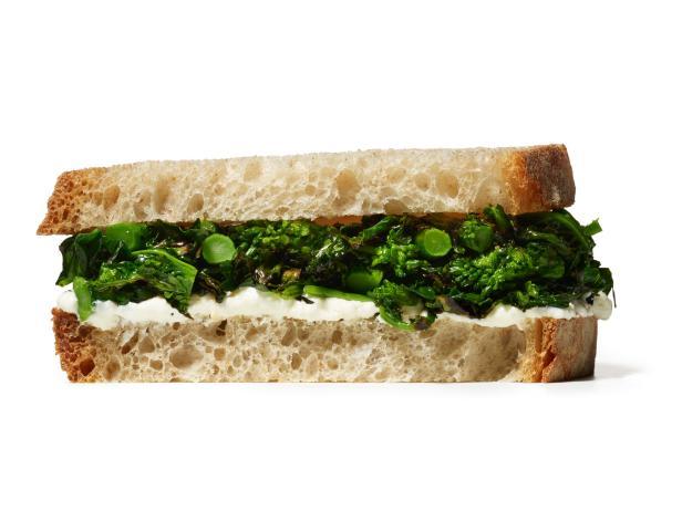 Сэндвич с брокколи и рикоттой (№ 8)