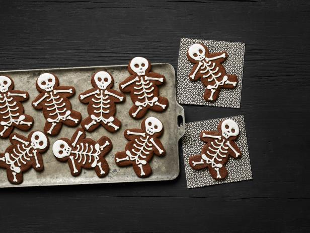 Фото Шоколадное печенье с корицей «Скелеты»