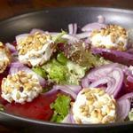 Салат из свеклы с козьим сыром и кедровыми орехами