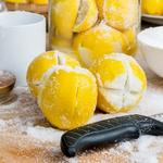 Соленые консервированные лимоны
