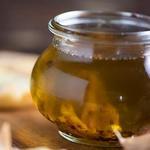 Оливковое масло с чесноком и лимоном