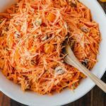 Морковный салат с клюквой