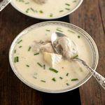 Крем суп с устрицами, сыром бри и шампанским