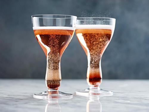 Кир Рояль-коктейль с шампанским и ликером
