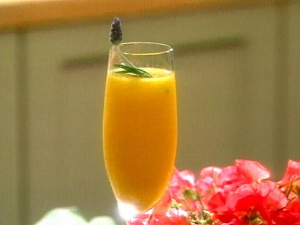 Фото Аперитив из шампанского и манго